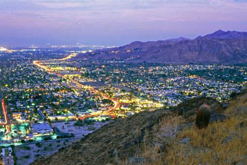 palm_springs_at_night.jpg